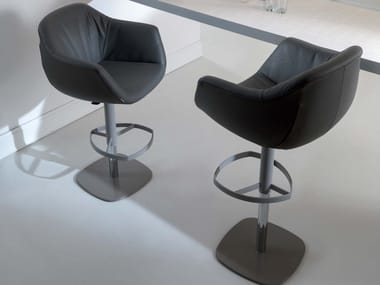 Upholstered leather stool with gas lift PIQUET