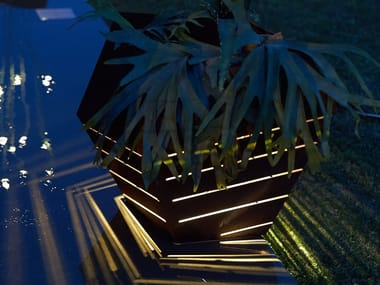 Corten™ garden vase with Light PITOCA