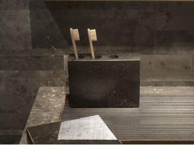 Portaspazzolino da appoggio in marmo PLAT-EAU Bath 01