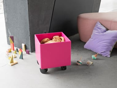 Toy Storage Box With Casters PLAY