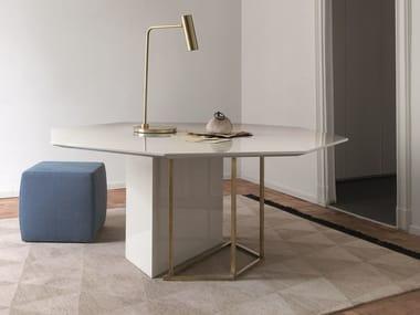 Table à manger laquée en bois PLINTO   Table