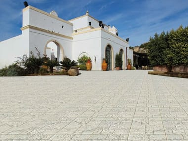 Indoor/outdoor flooring with stone effect LAPPATO