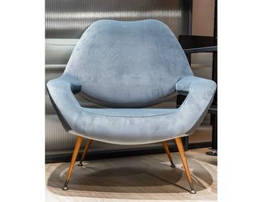 Velvet armchair with armrests POLTRONA FRAU - DU 55 Velluto Vega