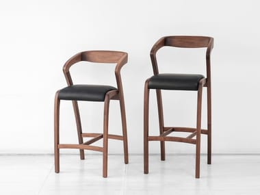 High walnut stool with armrests with back POLY | Stool
