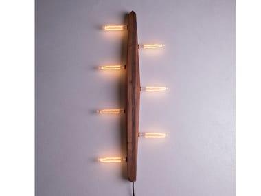 Lampada da parete a LED a luce diretta in legno massello PRAYER