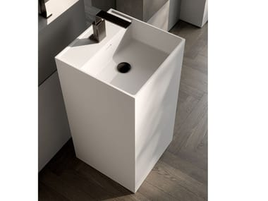 Freestanding square Cristalplant® washbasin QUADRO