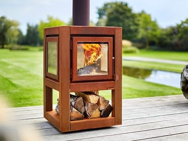 Wood-burning outdoor freestanding Corten™ fireplace QUARUBA L MOBILE