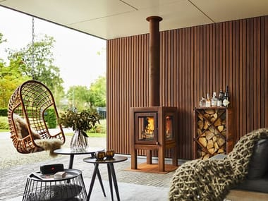 Wood-burning outdoor freestanding Corten™ fireplace QUARUBA WALL