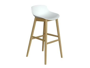 Stool with polypropylene shell and beech base QUEEN | Stool