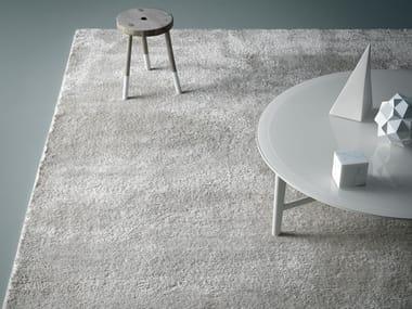 Solid-color polyester rug REST