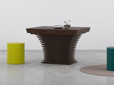 Tavolo ad altezza regolabile allungabile in legno RIGO