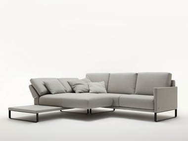 Sled base sectional fabric sofa with chaise longue ROLF BENZ 009 CARA | Sectional sofa