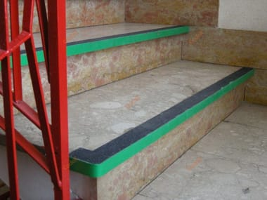 Non-slip stripes for staircases SAFETY WALK