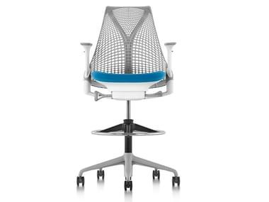 Ergonomic Swivel office stool with Armrests SAYL | Office stool