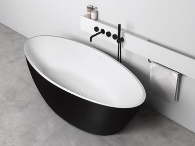 Freestanding oval bathtub SPACE
