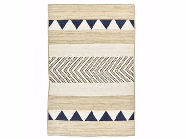Ethnic Style Rugs with Geometric Shapes