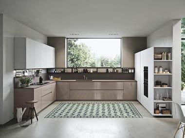 Cucina laccata lineare in legno e vetro SISTEMA 22 - AMBIENTE 02