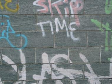 Anti-graffiti treatment SKERMO ANTISCRITTA