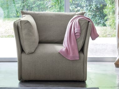Upholstered armchair with armrests SMUK | Armchair