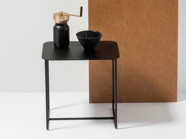 Tavolino rettangolare in lamiera SOLID SIDE TABLE #02