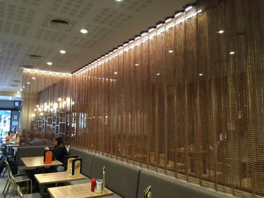 Aluminium chain curtain SPACE DIVIDER - UNDULATED RESTAURANT