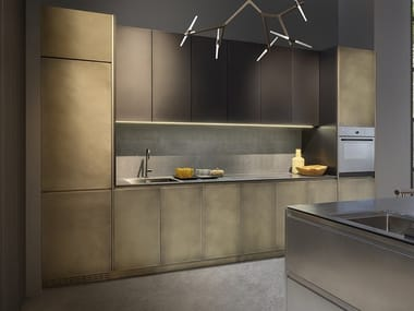 Linear stainless steel kitchen with integrated handles SQUARE