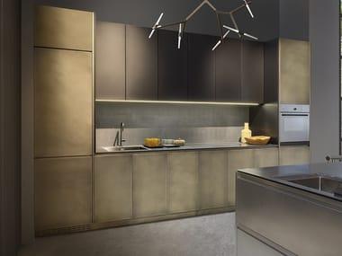 Cucina lineare in acciaio inox con maniglie integrate SQUARE