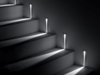Wall-mounted die cast aluminium steplight STEP