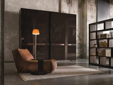 Lacquered wooden wardrobe with sliding doors SUMO