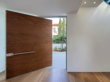 Pivot wooden safety door SYNUA | Wooden entry door