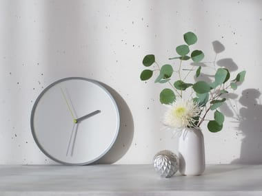 Wall-mounted steel clock THIN
