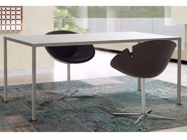 Tavolo in metallo THIN