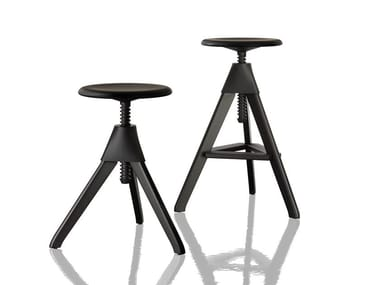 Height-adjustable beech stool TOM AND JERRY – THE WILD BUNCH