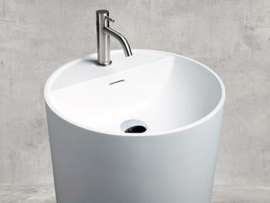 Freestanding round Cristalplant® washbasin TON'EAU