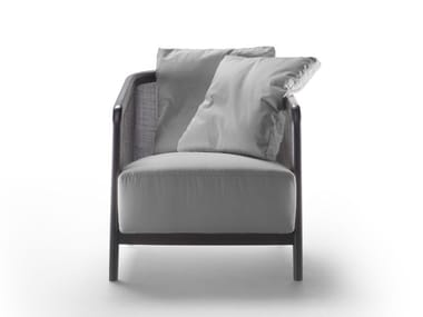 Armchair with armrests TOSCA