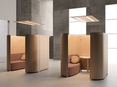Sound absorbing free standing workstation screen TRÈS SOUND