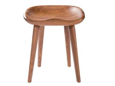 Sgabello basso in legno massello TRACTOR | Sgabello basso