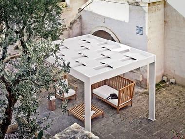 Freestanding aluminium and fabric pergola TRESS