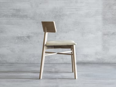 Solid wood chair TRIANGOLO