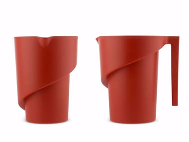 Thermoplastic resin jug TWISTED