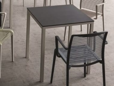 Square powder coated aluminium table TYPE FOR OUT | Square table