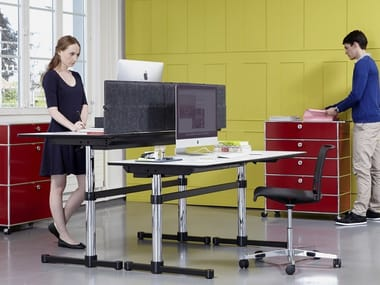 Height-adjustable rectangular MDF office desk USM KITOS M | Height-adjustable office desk