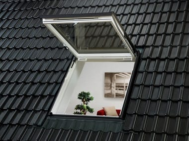 Top-hung Manually operated wooden roof window GTU