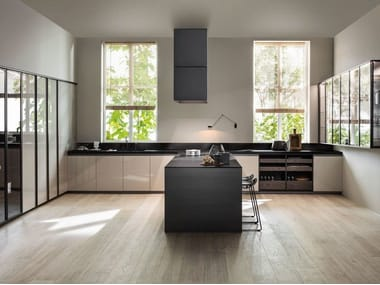 Lacquered linear wooden kitchen without handles VVD | Linear kitchen