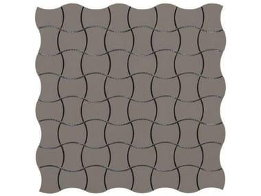 Pavimento/rivestimento antiscivolo in gres porcellanato per interni ed esterni XENO BUTTERFLY FULL BODY SU RETE