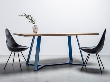 Dining table made of solid oak and steel Y