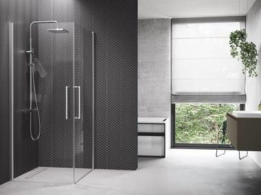 Box doccia angolare in alluminio con piatto con porta a battente YOUNG | 2G