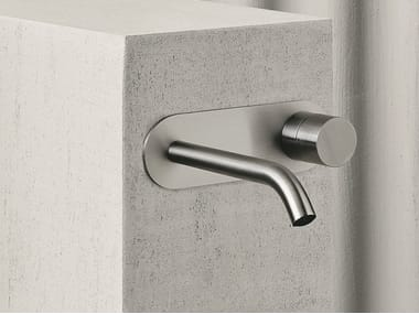 Wall-mounted washbasin mixer with plate AA/27 | Washbasin tap with plate
