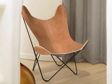Folding leather armchair AA© LE BUBBLE