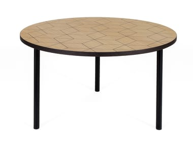 Round wood veneer coffee table ARTY 70 TRIANGLE